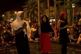Tapete Manifesto performance de Thaís Medeiros realizada em 18/09/2016 no Faísca 2016, Alfenas (MG). Foto: Beatriz Inaya